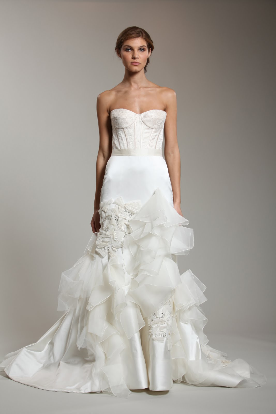 reem acra s spring 2011 bridal collection the beauty of simplicity