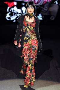 Betsey's classic cabbage rose print at her fall2011 show
